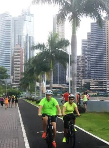 sporten aan de `cinta costanera` in Panama City