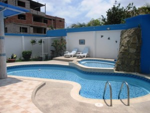 Spanish school in Manta with swimming pool