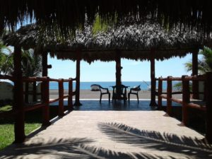 Beautiful accommodation right at the beach, Villas Tortugas